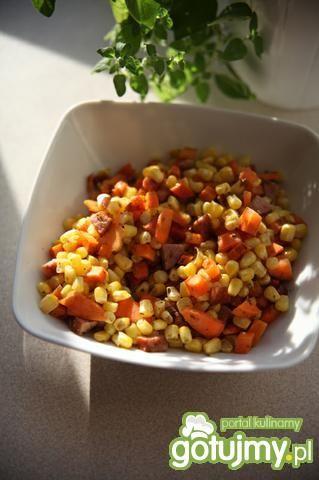 Kukurydziana sałatka na ciepło