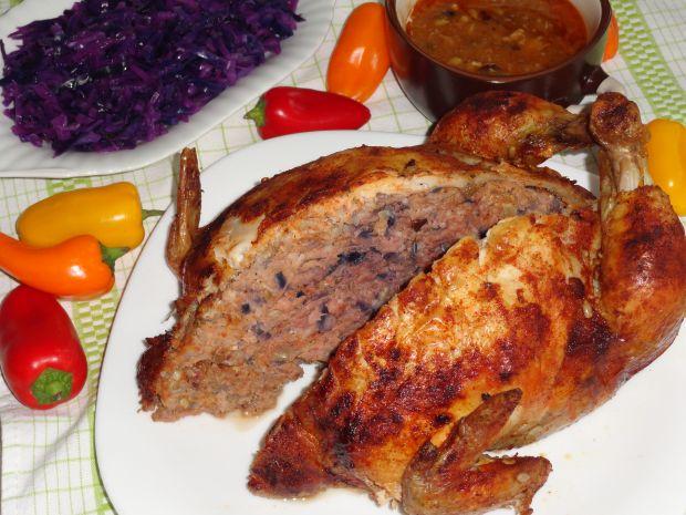 Kurczak faszerowany czerwoną kapustą i bakaliami
