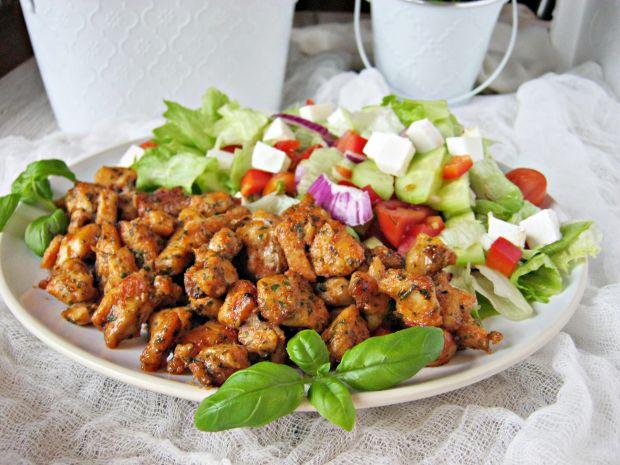 Kurczak marynowany w wędzonej papryce i cukrze