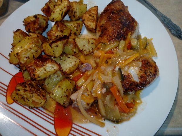 Kurczak pieczony z cukinią, fasolką, marchewką