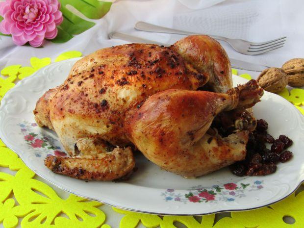 Kurczak pieczony z żurawiną i orzechami