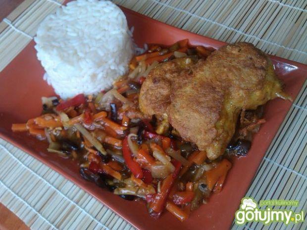 Kurczak po chińsku na warzywach