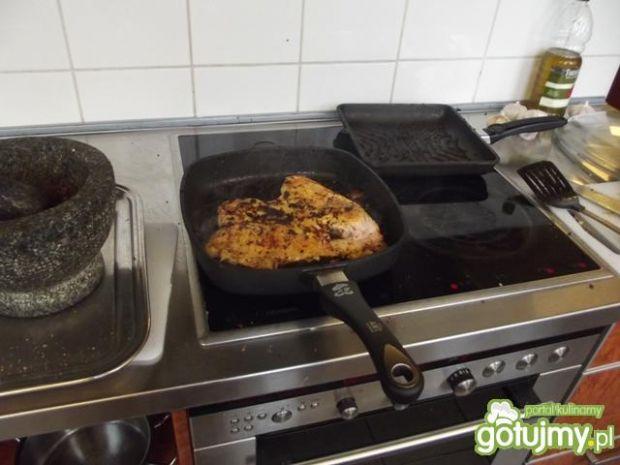 Kurczak Tabaka z Tkemali i Lobo Borani