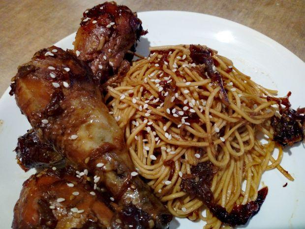 Kurczak teriyaki z makaronem