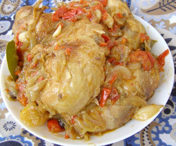 Kurczak w papryce,cebuli,czosnku duszony