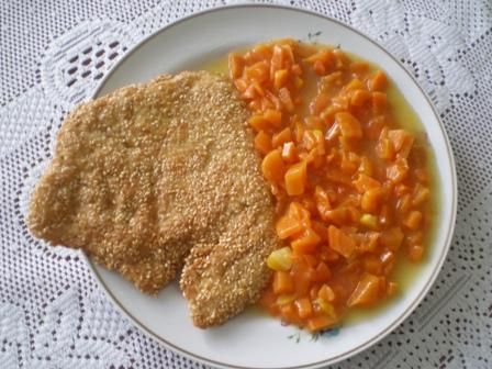 Kurczak w sezamie z gotowaną marchewką