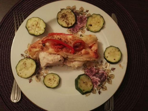 Kurczak w sosie chili w cieście francuskim
