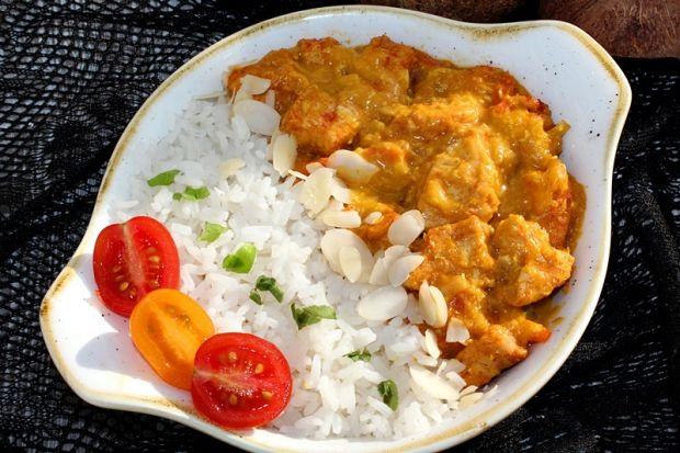 Kurczak w sosie z warzywami