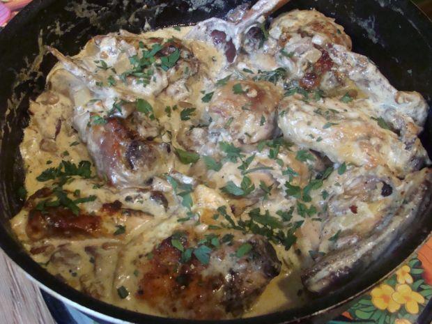 Kurczak w sosie maślaczkowym