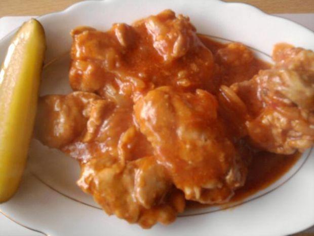 Kurczak w sosie pomidorowo-cebulowym
