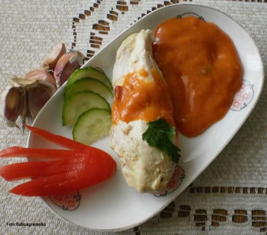 Kurczak w sosie pomidorowo-czosnkowym :