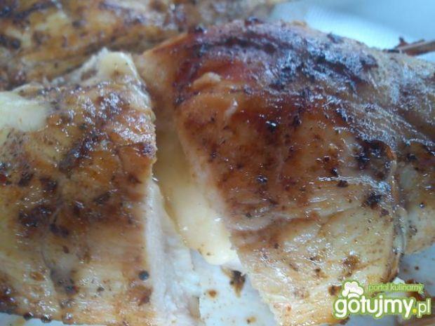 kurczak z grilla nadziewany serem