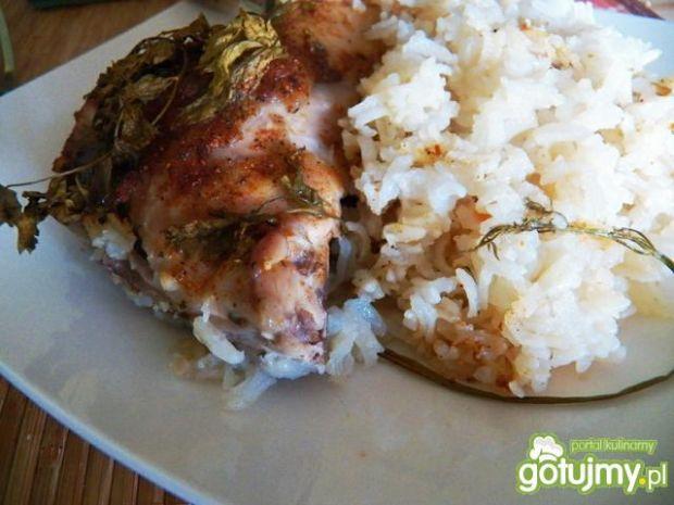 Kurczak z natką, upieczony na ryżu
