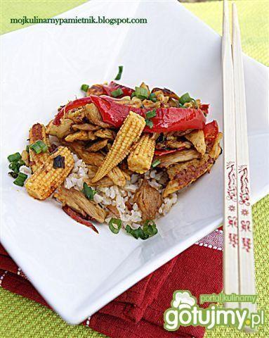 Kurczak z orzechowym sosem curry