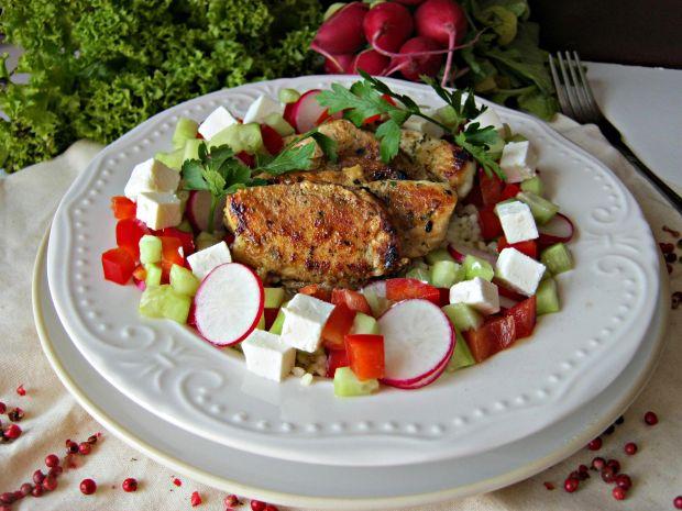 Kurczak z papirusa z kaszą jaglaną i warzywami