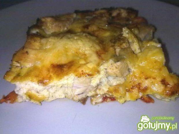 Kurczak z papryka zapiekany pod beszamel