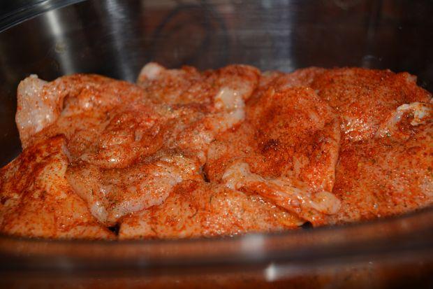 Kurczak z parowaru w marynacie czosnkowo-paprykowe