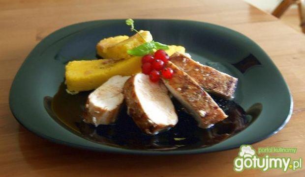 kurczak z polentą w sosie porzeczkowym