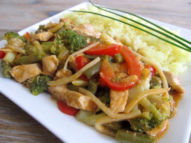 Kurczak z warzywami po wietnamsku