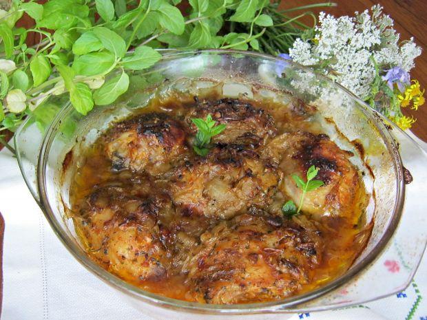 Kurczak zapieczony w cebuli