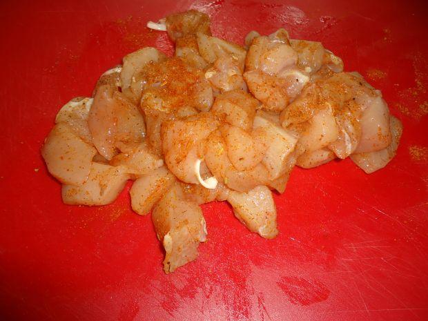 Kurczakowa sałatka z pierożkami tortellini