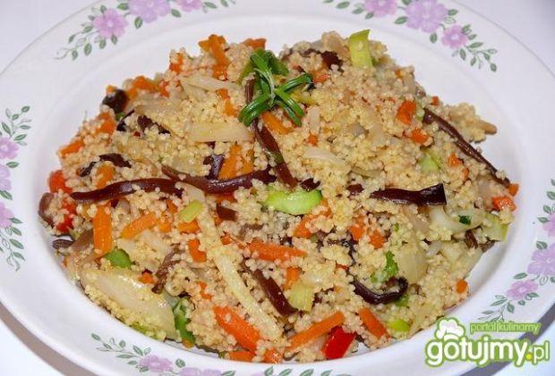Kuskus w curry z warzywami