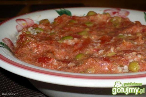 Kuskus z groszkiem w pomidorach