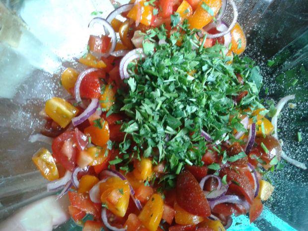 Kuskus z pomidorową salsą