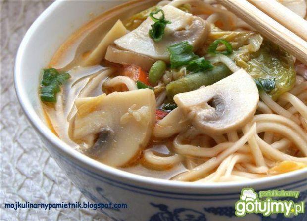 Kwaśno-ostra zupa  grzybowa