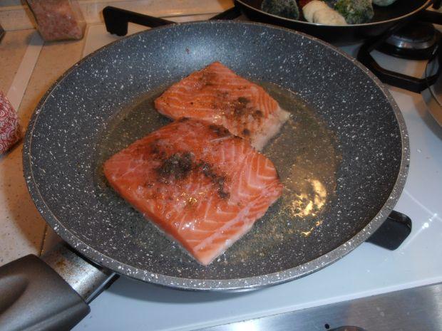 Lasagne z łososiem pod beszamelem