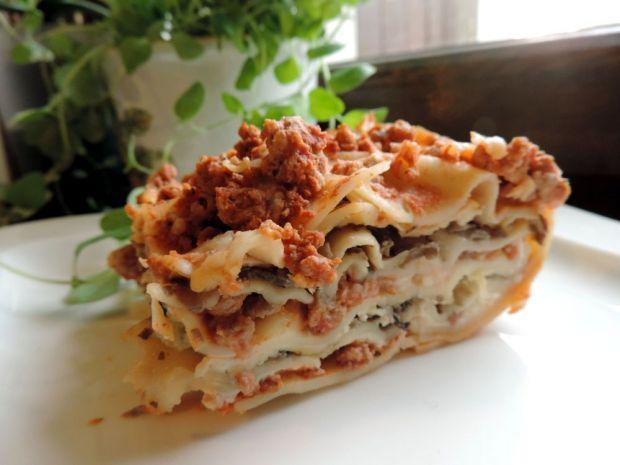 Lasagne z mięsem i pieczarkami