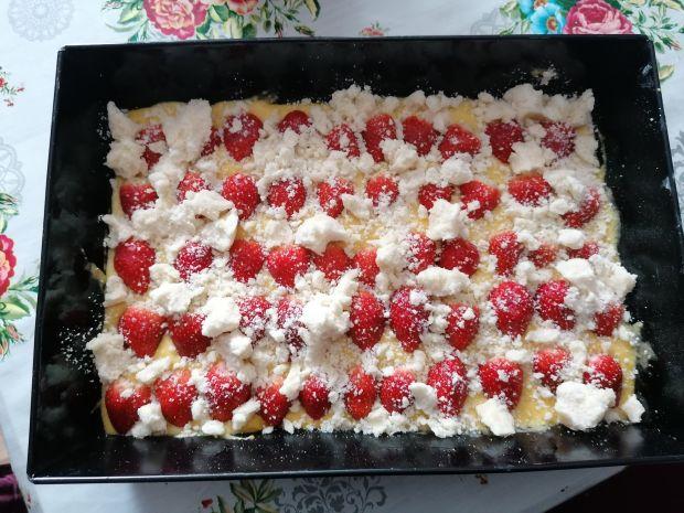 Łatwe ciasto z truskawkami