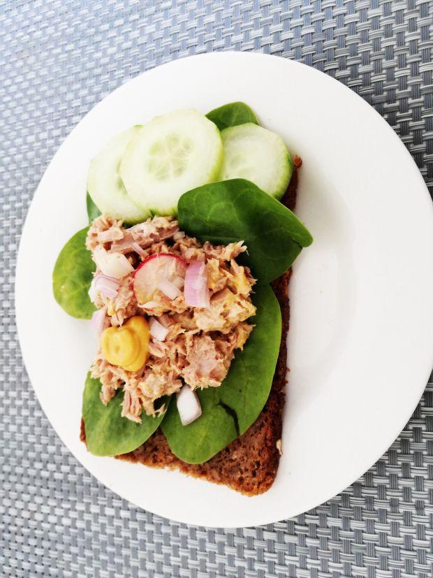 Lekka kanapka z tuńczykiem