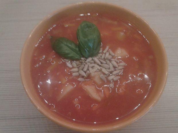 Lekka zupa pomidorowa