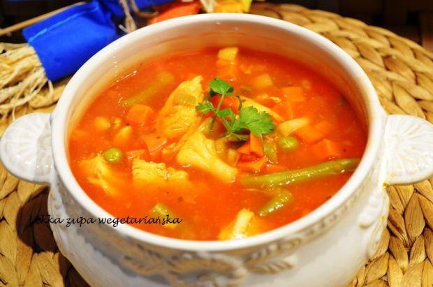 Lekka zupa wegetariańska
