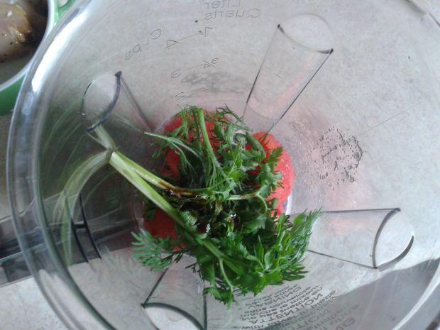 Lekki udziec drobiowy ze szczawiem i pomidorem