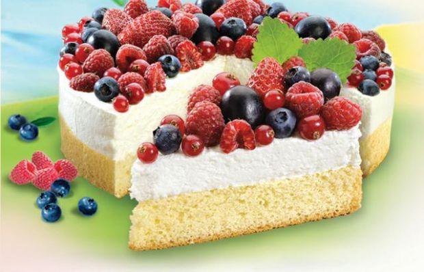 Lekkie ciasto z owocami