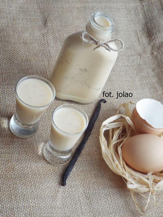 Likier jajeczny z wanilią
