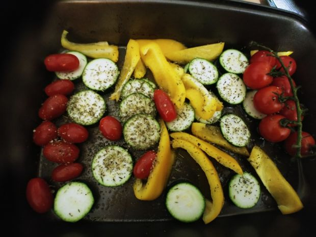 Łosoś pieczony z warzywami