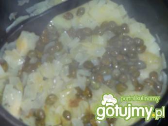 Łosoś z sosem kaparowym i serem