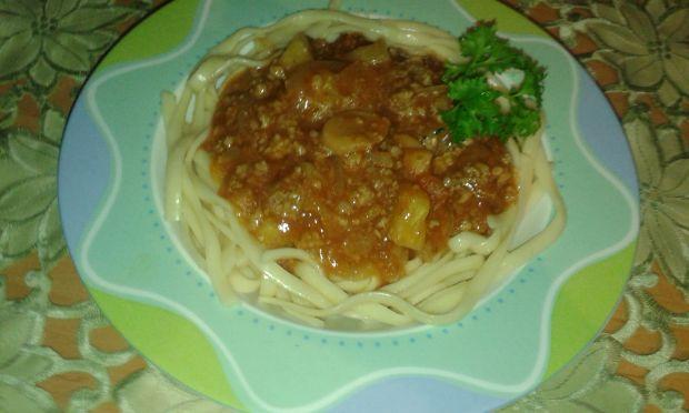 Makaron do spaghetti z sosem