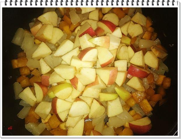 Makaron Eli na słodko z dynią, owocami i orzechami