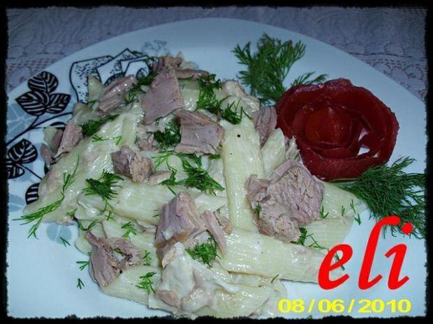 Makaron Eli z sosem tuńczykowym