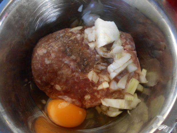 Makaron pełnoziarnisty z mięsem