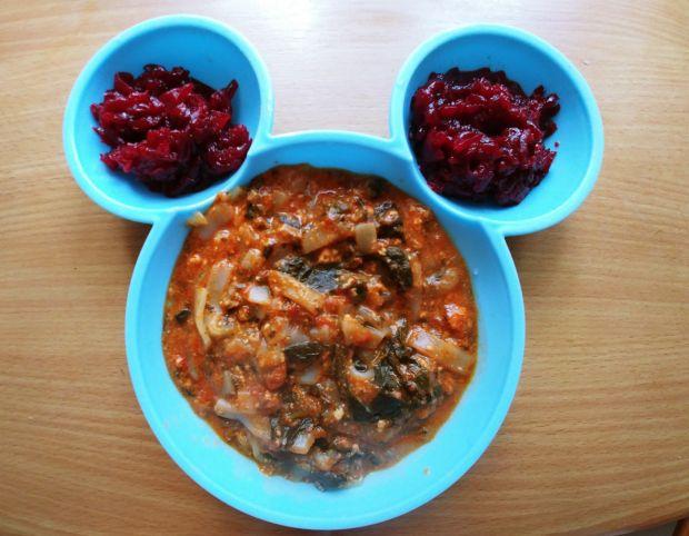 Makaron ryżowy z sosem pomidorowo-szpinakowym