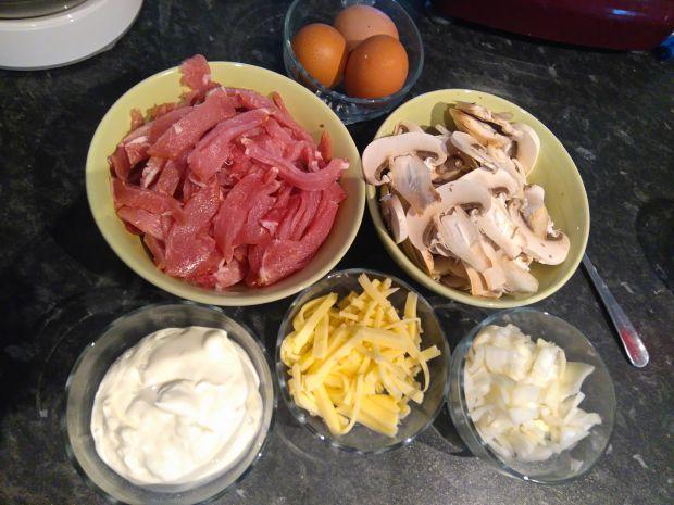 Makaron z boczkiem i pieczarkami