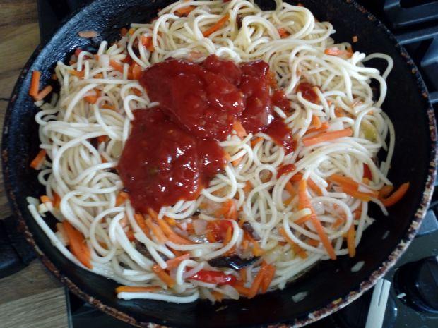 Makaron z chińskimi warzywami