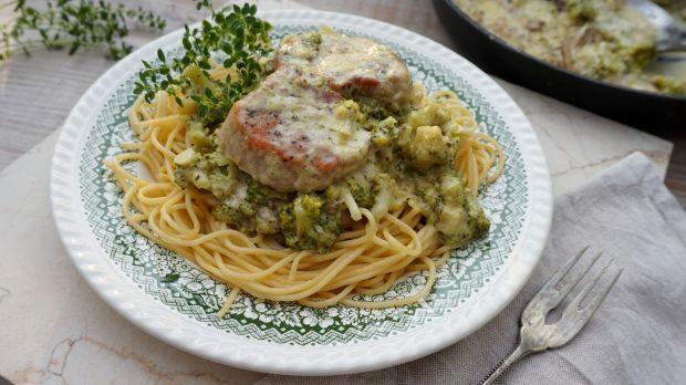 Makaron z polędwiczką wieprzową i brokułami