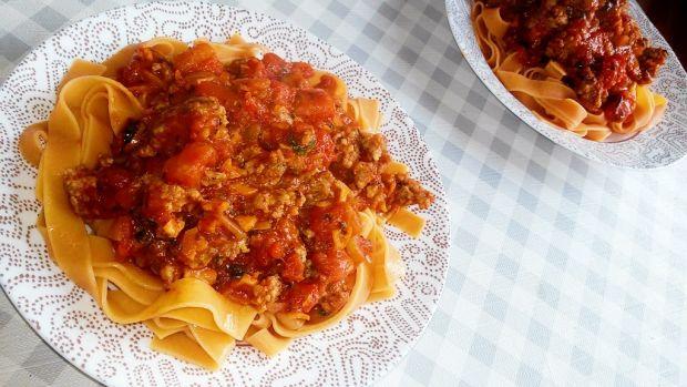 Makaron z sosem bolognese