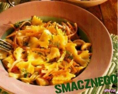 Makaron z szynką i warzywami